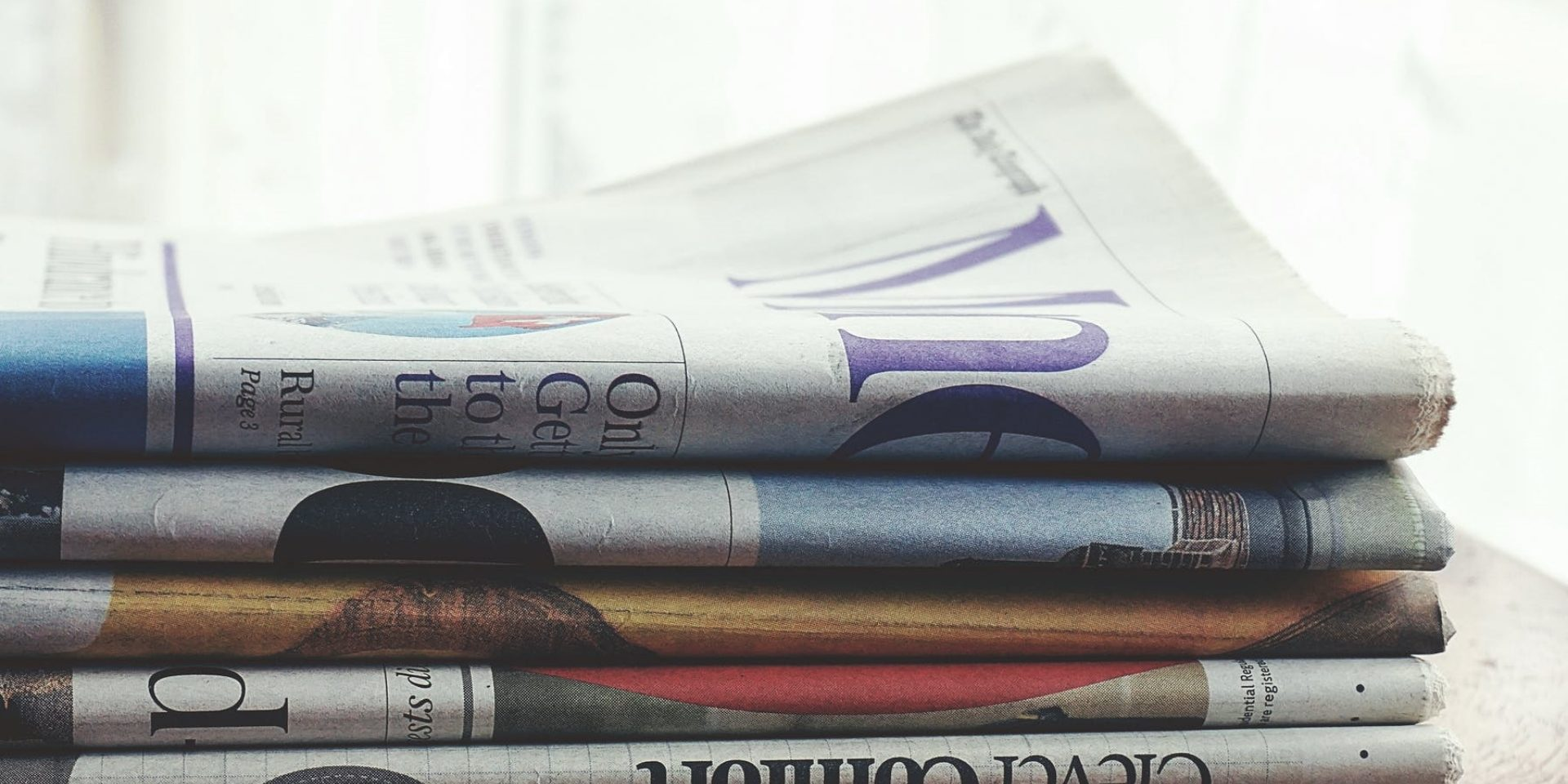 Zeitung gestapelt